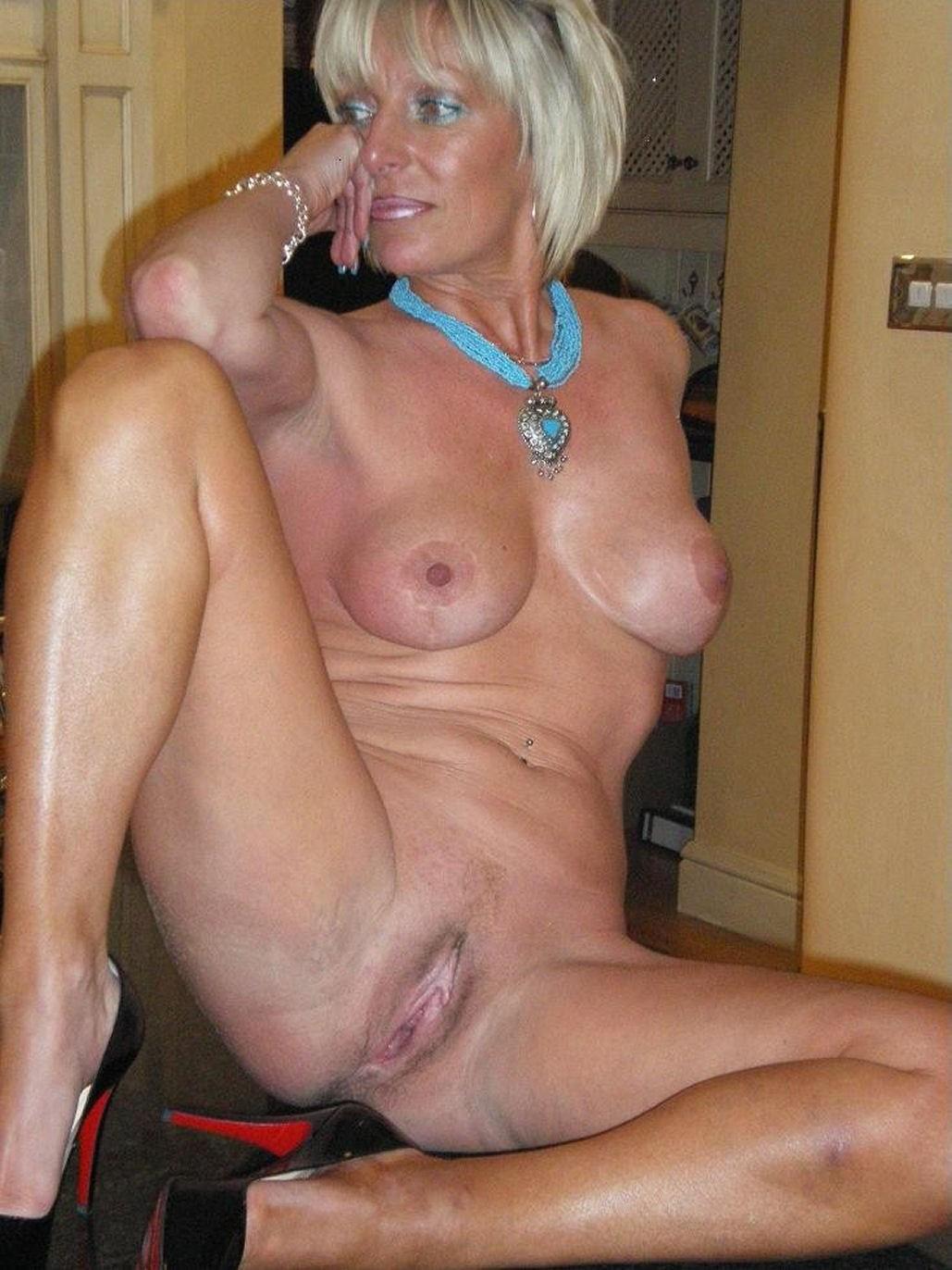 milf-nude-naked-sex-gilf
